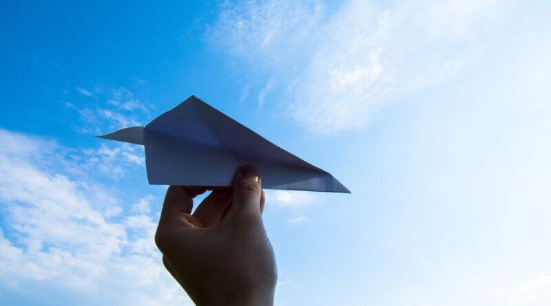 Uçakta Uçarken Neden Hızı Hissedemiyoruz?
